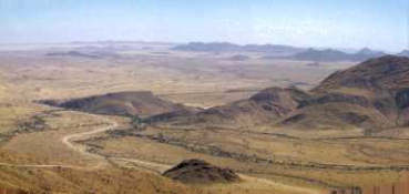 Spreetshoogte Pass overlooking the Namib arid area